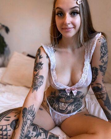 Nicole Pollard  nackt